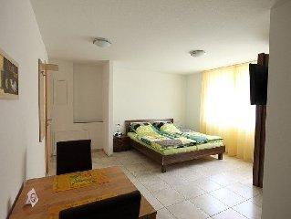 Apartment 2, 28 qm, 1 Wohn-/Schlafzimmer, max. 2 Personen