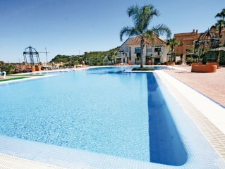 2 bedroom accommodation in Duquesa