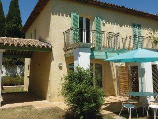 2 bedroom accommodation in Saint Aygulf