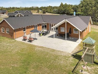 8 bedroom accommodation in Idestrup