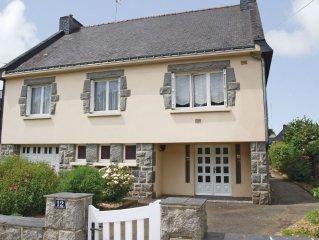 4 bedroom accommodation in Mur de Bretagne