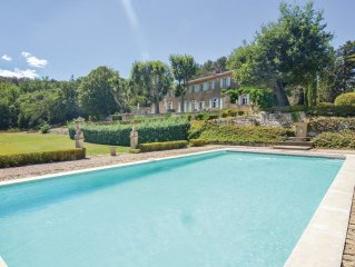 9 bedroom accommodation in La Roque D'Antheron