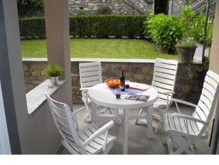 1-room holiday apartment Cedro 101 just a short walk away from the lake, with l