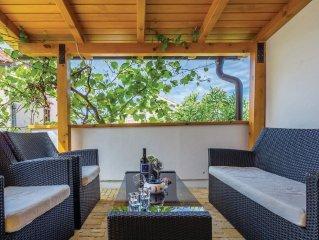 2 bedroom accommodation in Malinska