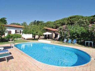 6 bedroom accommodation in Alberese GR