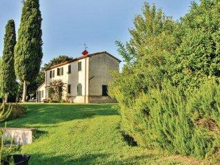 3 bedroom accommodation in Cetona SI