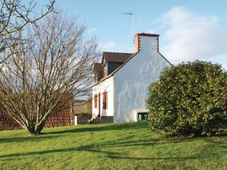 2 bedroom accommodation in Paimpol