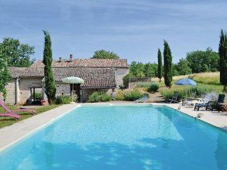 6 bedroom accommodation in Cahuzac sur Vere