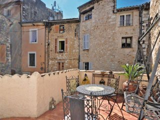 2 bedroom accommodation in Vence