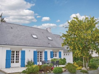 6 bedroom accommodation in Penestin