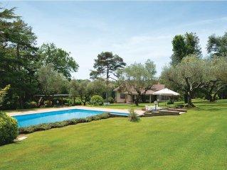 7 bedroom accommodation in Bracciano RM