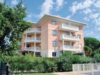 3 bedroom accommodation in Frejus