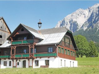 7 bedroom accommodation in Ramsau am Dachstein