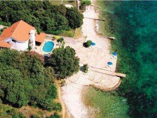 5 bedroom accommodation in Kozino