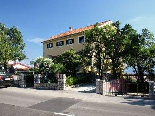 Apartment in Crikvenica (Crikvenica), capacity 4+1
