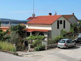 Apartment in Kornic (Krk), capacity 4+2