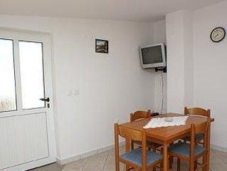Apartment in Kustići (Pag), capacity 2+1