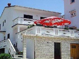 Apartment in Metajna (Pag), capacity 2+1