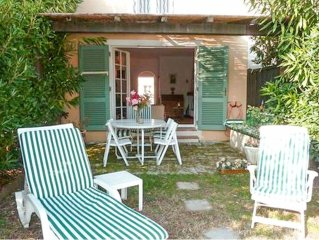 2 Bedroom house  et  10 m mooring near St Tropez