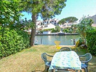 1 Bedroom flat with mooring of 10 m on the river