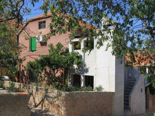 Apartment in Sali (Dugi otok), capacity 4+0