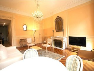 Tourny - Apartment in the Heart of Bordeaux