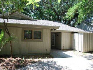 Sea Pines home, Short drive to the beach!