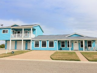 5 bedroom 5 bath home, HOTTUB, and close to the beach!