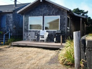 BY THE SEA ~ Cozy Cottage, just steps to the beach!!