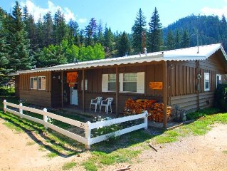 Ski Lope Lodge - Single-level Home in Town, WiFi, Satellite TV, King Beds, Wash