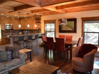 Exquisite 4br Corner Townhome just outside of Tahoe City. HOA Pool, Tennis, and