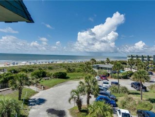 3rd Floor Ocean Front Views in the Heart of IOP, Enjoy Easy Beach Access, Fishi