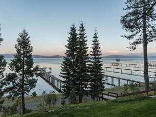 Lakefront home with 4br and 4.5 baths with yard and buoy!