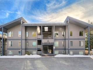 2.5bd/2ba Rendezvous A 6: 2.5 BR / 2 BA condominiums in Teton Village, Sleeps 6