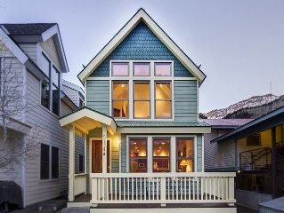 Modern townhome with traditional style 2 blocks from downtown Telluride
