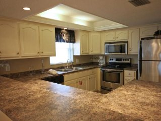 2BR / 2BA - Convenient ground floor unit with a short walk to the beach!