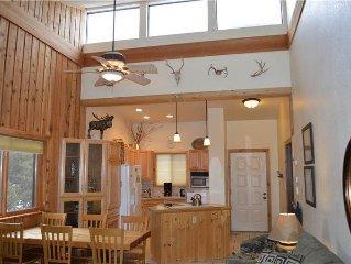 Vaulted Ceilings and Beautifully Updated One Bedroom Winter Park Condominium Ne