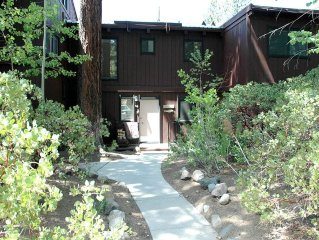 Comfortable, Cozy 2br Condo by Tahoe City, Access to HOA Ammenities. Great Valu