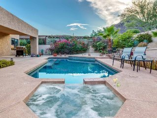 Pueblo Trails- Minutes to the Biltmore area and mountain views! Pool & spa also!