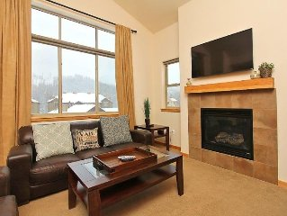 Big One Bedroom That Sleeps 6 In Style! Complex Pool & Hot Tub.