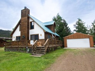 Our Red River Cabin - Private Home in Tenderfoot, Downstairs Master, Backyard,