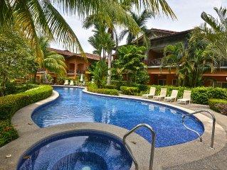 Cozy, affordable Condo, close to amenities at Los Suenos Resort!