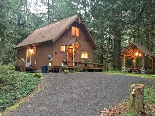 Cabin #67 - A very private 2-story cabin with a private outdoor hot tub!