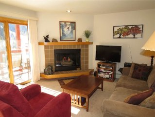 Comfortable, Spacious Condo Full of Light. Walk/Shuttle to Keystone Resort. 2 B