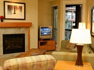 Clean, modern, PET FRIENDLY condo at Winter Park Resort.