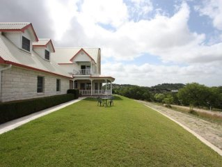 Gastehaus Royal Oaks Great Hill Country Views Short Drive to Town