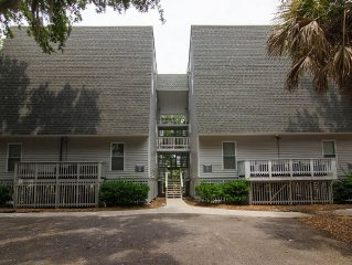 Driftwood Villa 262 - Charming Updated One Bedroom on Edisto