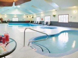 Ontario 1BR w/Fireplace & Jacuzzi, Resort Pool, Adventure Park, Skiing & Golf