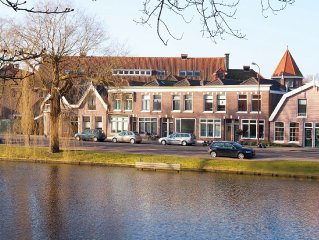 Holiday home directly on majestic avenue in the centre of Alkmaar