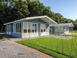 Chalet with a luxurious modern design, located at Park Noordwijkse Duinen not f